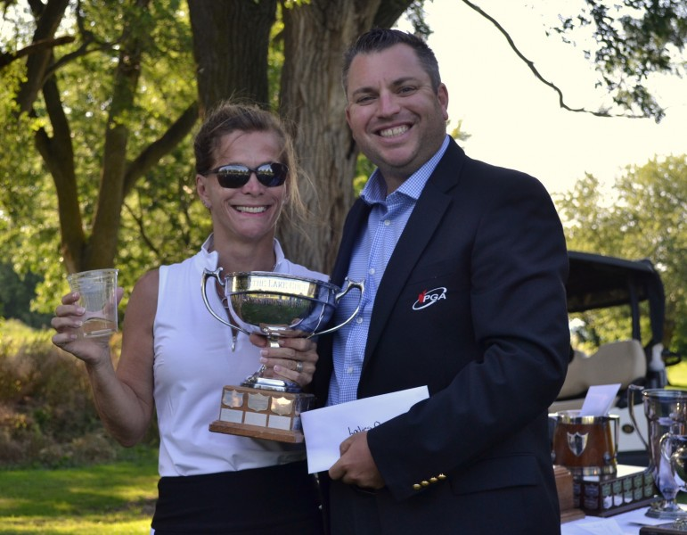Women's open champ Louise Robitaille and pro Billy Simkin. (Kevin MacLean/Niagara Now)