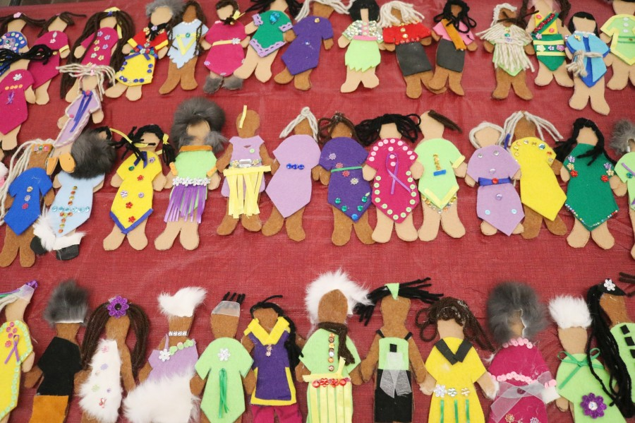 Faceless Dolls represent more than 1,200 missing and murdered Indigenous women and girls in Canada. (Dariya Baiguzhiyeva/Niagara Now)