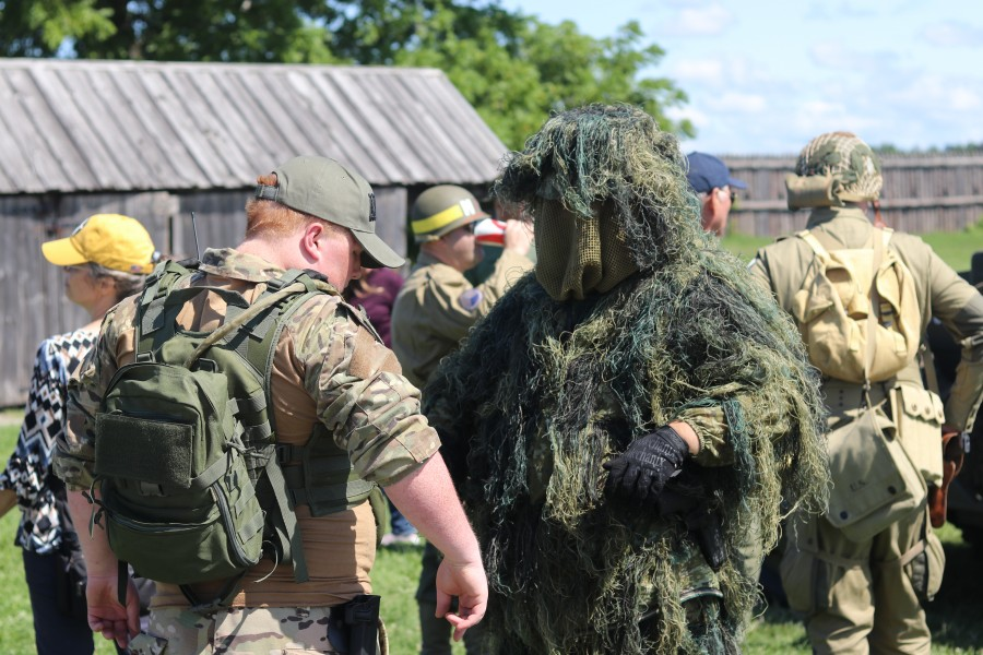 Brendan MacDonald, left, was dressed as basic infantry and Aaden Beauchamp is in a ghillie suit. (Dariya Baiguzhiyeva/Niagara Now)