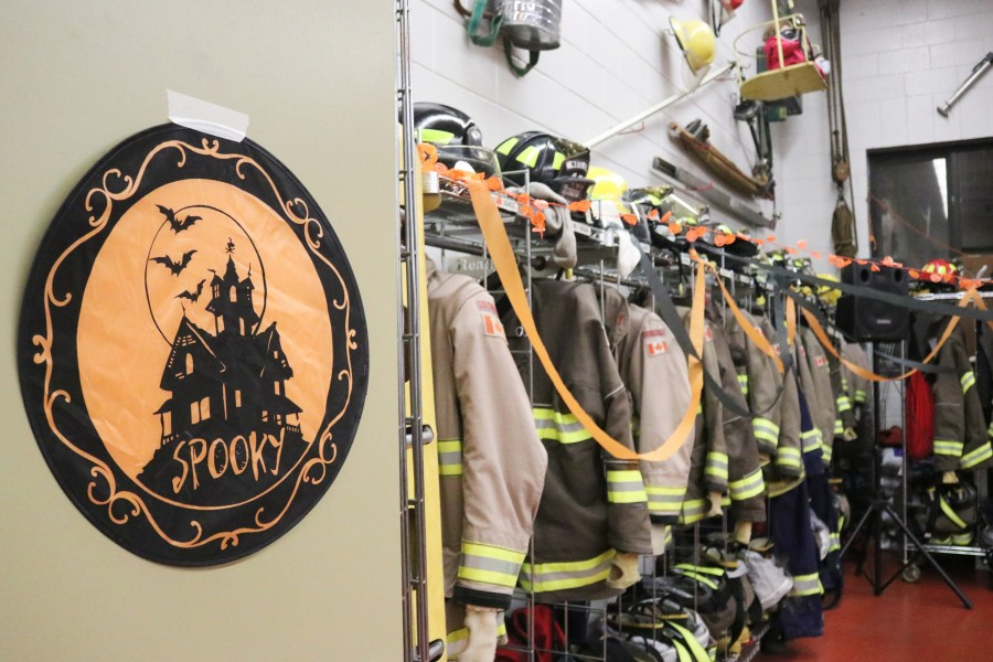 Queenston fire hall opened its door for kids and families for their annual Halloween party.(Dariya Baiguzhiyeva/Niagara Now)