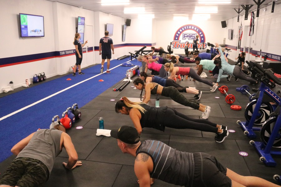 F45 workout classes on Niagara Stone Road offer high-intensity interval training sessions. (Dariya Baiguzhiyeva/Niagara Now)