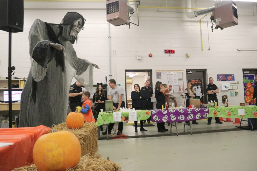 St. Davids District 2 fire station held a party with a costume contest as well. (Dariya Baiguzhiyeva/Niagara Now)
