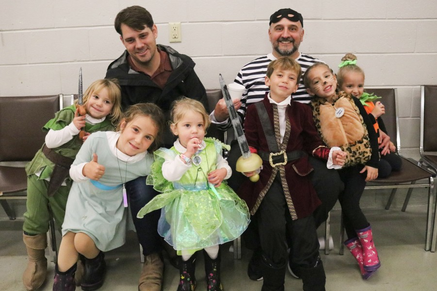 Corey Cater, left, with his children Antonia, Loretta, Gigi and Matthew Cater. Gus Koroneos came with his children Aria and Zoie Koroneos. (Dariya Baiguzhiyeva/Niagara Now)