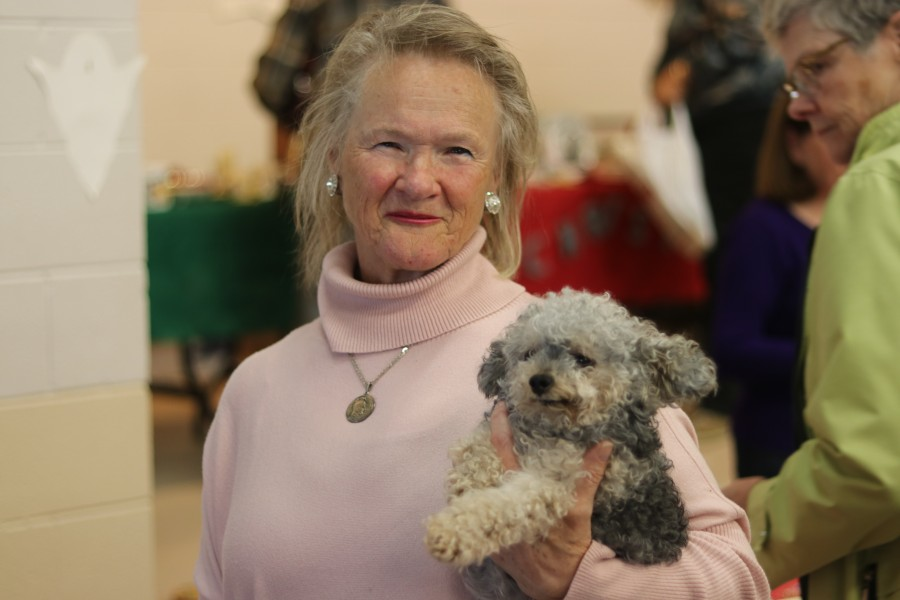 Valerie Zuk with her dog Prancer at the bazaar. (Dariya Baiguzhiyeva/Niagara Now)