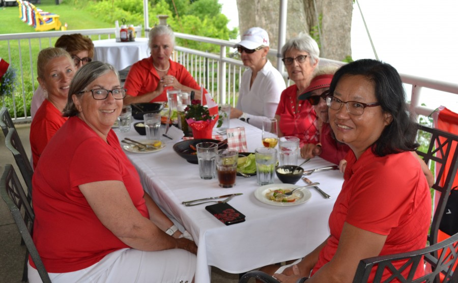 The nine and 18-hole women's leagues held their annual mid-season scramble and picnic lunch on July 2. (Kevin MacLean/Niagara Now)